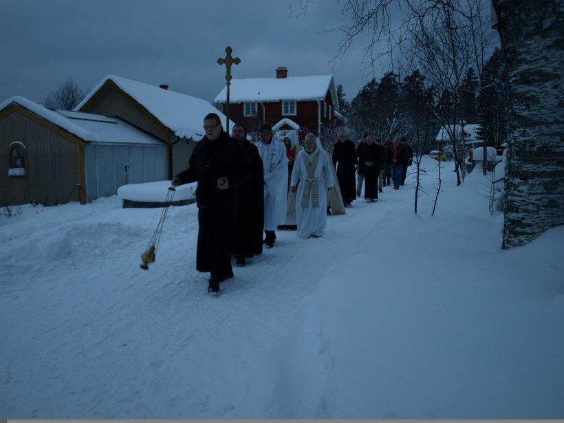 Тайна нощна процесия на Улф Екман с католици през 2009 година